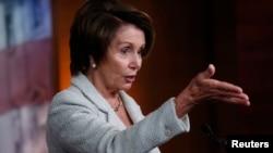 Nancy Pelosi ha sido reelegida en el liderazgo demócrata en la Cámara de Representantes sin que hubiera resistencia.