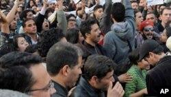 Manifestations contre le nouveau gouvernement
