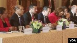 El vicepresidente de El Salvador, Oscar Ortíz, habla durante la Conferencia sobre Prosperidad y Seguridad en Centroamérica en el Departamento de Estado en Washington el jueves, 11 de octubre de 2018.