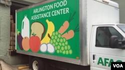 A truck serving the Arlington Food Assistance Center in Arlington, Virginia delivers donated groceries, June 28, 2016. (VOA/C. Maddux)