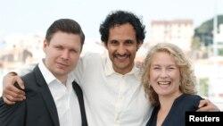 علی عباسی (وسط) کارگردان ایرانی مقیم سوئد