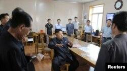 북한 김정은 국방위원회 제1위원장이 기상수문국을 현지 지도했다고 10일 조선중앙통신이 보도했다.