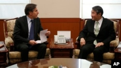 美國副國務卿布林肯和南韓副外長趙泰永星期一在首爾舉行會談,討論雙邊問題以及北韓核項目和導彈項目等問題。