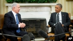 Presiden AS Barack Obama (kanan) saat menerima PM Israel Benjamin Netanyahu di Gedung Putih, 1 Oktober 2014 (foto: dok).