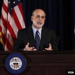 Gubernur Bank Sentral Ben Bernanke akan memimpin pertemuan tahunan The Fed pekan ini. Investor berharap akan ada paket stimulus dari bank sentral untuk menstabilkan pasar modal.