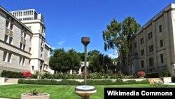 캘리포니아공과대학교(Caltech)으로 들어가는 입구.