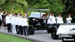 新加坡儀仗隊護送李光耀前總理的靈柩