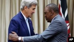 Госсекретарь США Джон Керри и президент Кении Ухуру Кениатта