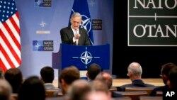 نشست خبری جیم متیس وزیر دفاع آمریکا پس از جلسه سازمان پیمان آتلانتیک شمالی، ناتو، در بروکسل - ۹ نوامبر ۲۰۱۷