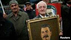 Акция в день рождения Иосифа Сталина в г. Гори, Грузия. Архивное фото.