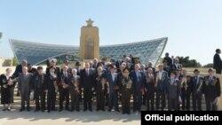 Prezident Ilham Əliyev müharibə veteranları ilə