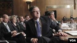 En la audiencia estuvieron los ejecutivos principales de las petroleras Exxon Mobil, BP, Shell, Chevron y Conoco Phillips.