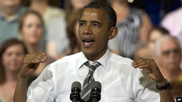 President Barack Obama speaks at Kirkwood Community College in Cedar Rapids, Iowa, July 10, 2012.