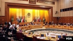 Menteri-menteri luar negeri Liga Arab mengadakan rapat darurat di Kairo, Sabtu (12/3) dan mencapai keputusan untuk mendukung zona larangan terbang atas Libya.