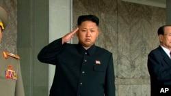 지난 2013년 9월 평양에서 열린 열병식에 참석한 김정은 북한 국방위원회 제1위원장. (자료사진)
