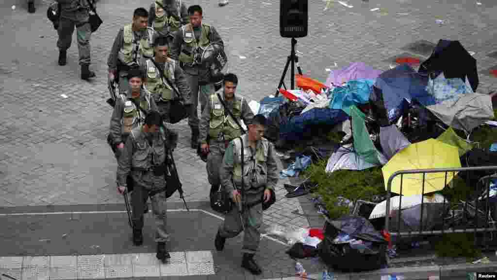İğtişaş polisi mərkəzi maliyyə sektorunu tərk edir, 29 sentyabr, 2014.