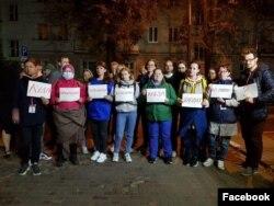 Фото: Адарія разом з колегами-журналістами