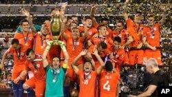 Los dos equipos se vieron las caras de nuevo un año después, igual que en la final de la Copa América Chile 2015.