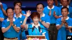Didukung oleh anggota Partai Nasionalis, Hung Hsiu-chu, mantan guru sekaligus wakil ketua parlemen swat ini, ketika diajukan sebagai calon presiden untuk pemilihan presiden bulan Januari mendatang, 19 Juli 2015, di Taipei, Taiwan.