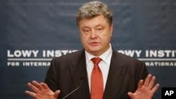 호주를 방문 중인 페트로 포로셴코 우크라이나 대통령이 시드니 로이 연구소에서 발언하고 있다.