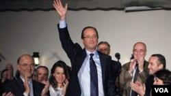 François Hollande, de 57 años, ganó las elecciones primarias del Partido Socialista con un 56% de los votos.