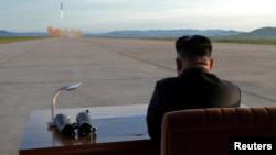 """Kim llamó """"irracional"""" a Trump luego que éste se refiriera a él como """"Rocket Man"""" en misión suicida y amenazara con """"destruir totalmente a Corea del Norte"""" si es obligado a defenderse o defender a sus aliados."""