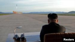 """Ông Trump từng gọi lãnh tụ Bắc Hàn Kim Jong Un là """"gã rocket""""."""