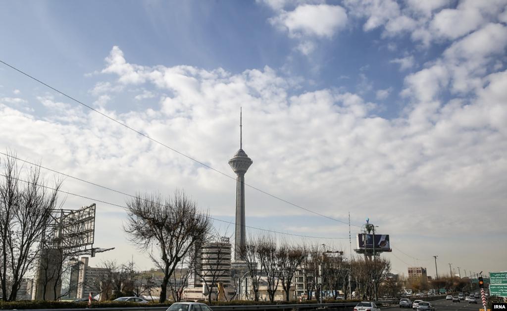 هوای تهران در نخستین روز زمستان عکس: اکبر توکلی