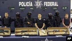 """El pasado 30 de septiembre, México extraditó a Estados Unidos a 13 presuntos criminales, entre ellos Edgar Valdez Villareal, alias """"La Barbie""""."""