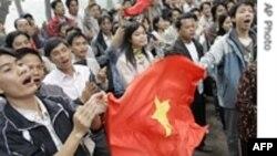 Năm hữu nghị Việt-Trung mở màn với một cuộc khẩu chiến