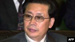 Bắc Triều Tiên xác nhận đã cách chức ông Jang Song Thaek, dượng của nhà độc tài Kim Jong Un, nhân vật uy quyền hàng thứ nhì trong chế độ này