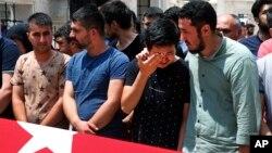 30일 터키 이스탄불에서 이틀 전 공항 테러 공격 희생자들의 장례식이 엄수됐다. (자료사진)