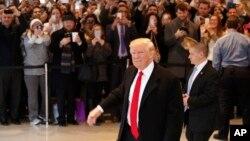 """Trump mencionó los """"más de 70.000 votos"""" con los que ganó en Pensilvania y agregó que obtuvo en total 306 votos del sistema de Colegio Electoral que decide al inquilino de la Casa Blanca, la mayor cantidad lograda por un candidato republicano """"desde 1988""""."""