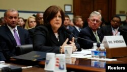 지난달 30일 줄리아 피어슨 미 백악관 비밀경호국장이 미국 하원 정부감독위원회 청문회에 출석해 증언하고 있다.