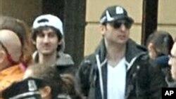 미국 보스턴 테러 용의자로 경찰의 총에 맞아 사망한 타메를란 차르나예프(오른쪽)와 검거된 동생 조하르 차르나예프.