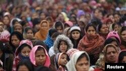 印度婦女悼念輪姦受害者