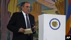 Ermənistanın 1-ci prezidenti Levon Ter-Petrosyan.