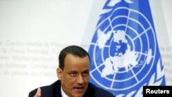 L'envoyé spécial de l'ONU pour le Yémen Ismail Ould Cheikh Ahmed parle aux médias après les pourparlers de paix au Yémen en Suisse à Berne, le 20 décembre 2015. (REUTERS/Ruben Sprich)