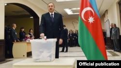Prezident İlham Əliyev səs verir