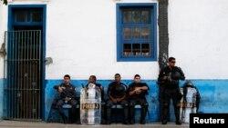 Policías en Río de Janeiro, Brasil.