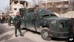 Pasukan yang setia kepada Presiden Suriah Bashar al-Assad mempergencar ofensif di Suriah utara (foto: dok).