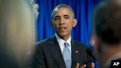 Presiden AS Barack Obama berbicara kepada media di sela-sela KTT G7 di hotel Shima Kanko di kota Shima, Jepang hari Kamis (26/5).
