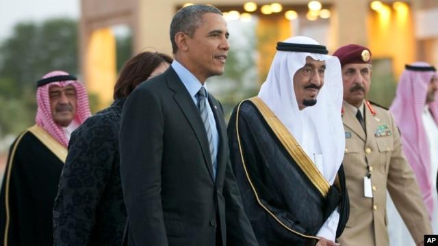 Saudi Arabia's Crown Prince Salman bin Abdulaziz Al Saud, escort President Barack Obama to his meeting with Saudi King Abdullah at Rawdat Khuraim, Saudi Arabia, March 28, 2014.
