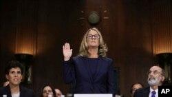 Kristin Blazi Ford polaže zakletvu pred Odborom za pravosuđe u Senatu