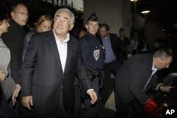 លោក Dominique Strauss-Kahn, អតីតប្រធានមូលនិធិរូបីវត្ថុអន្តរជាតិ (IMF) ។