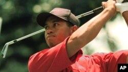 Tiger Woods, 41 tahun, didera cedera punggung dalam beberapa tahun terakhir (foto: dok).
