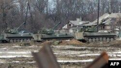 САУ бойовиків угруповання «ДНР» у Вуглегірську. Лютий 2015 року. Ілюстраційне фото