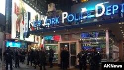 Polisi New York (NYPD) meningkatkan pengamanan di Times Square, New York menyusul serangan ISIS di Paris (18/11).