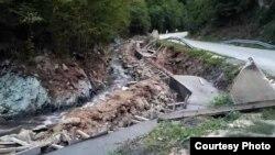 """Rahiva - Radovi na izgradnji mini hidroelektrane (Foto: Udruženje """"Odbranimo reke Stare planine"""", ustupio Milan Tokić)"""
