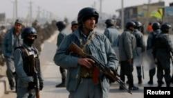 Polisi Afghanistan melakukan penjagaan keamanan di Kabul (foto: dok).